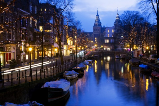 amsterdam atardecer 610x405 - Last Minute - Prácticas de 6 meses para Greenpeace en Amsterdam (Fecha límite 21 de julio)
