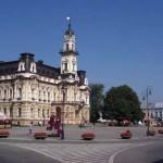 Participa en un foro económico en Polonia