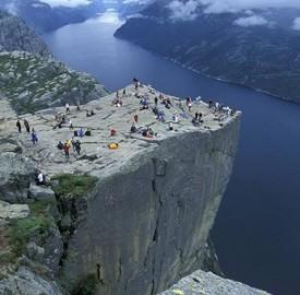 roca-del-pulpito-fiordos-noruegos-