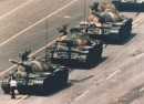 world-press-photo-winner-1989-tiananmen-square-man-in-front-of-tanks1